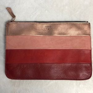 Fossil flat pouch